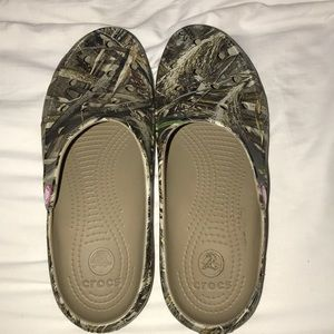 Crocs with camouflage pattern
